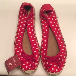 Women's slip ons. Very cute!
